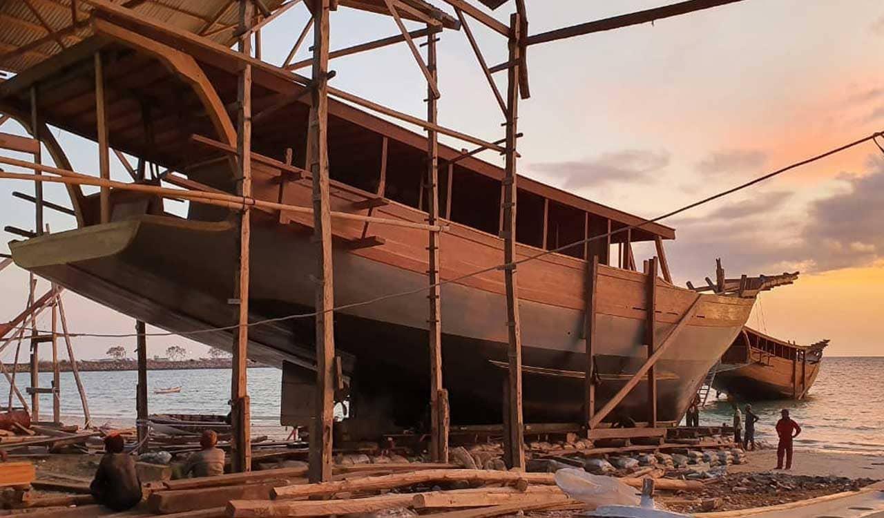Boat Building Indonesia 1